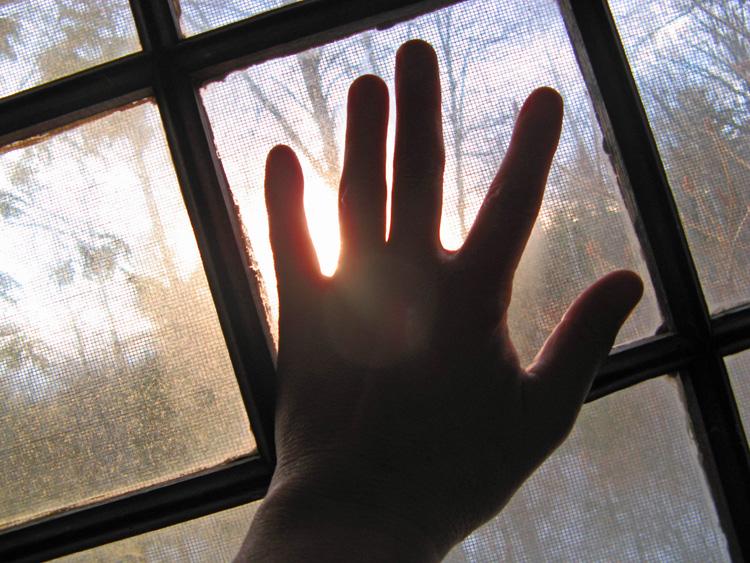Resultado de imagen de El Sol ya me saluda en la ventana,